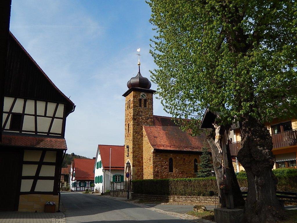 Frankendorf, a picturesque village in Franconia. You can rely on our guides to take you to the most charming locations.