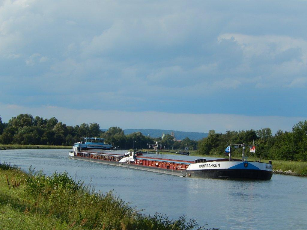 Attractive cycle paths are found on both sides of the Rhine-Main-Danube canal.