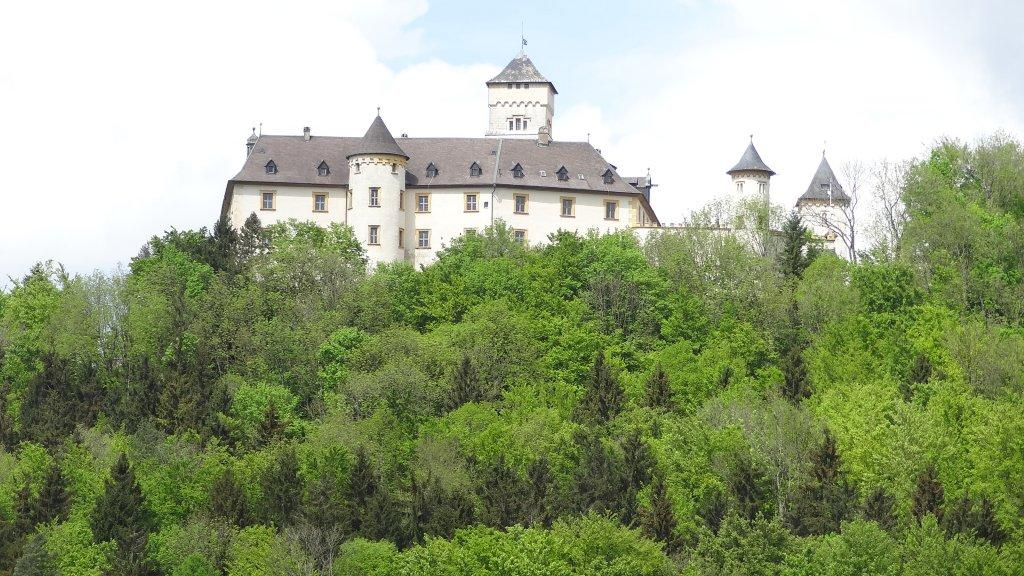 Schloss Greifenstein, a castle in the Leinleiter valley, is the ancestral seat of the Stauffenberg family.