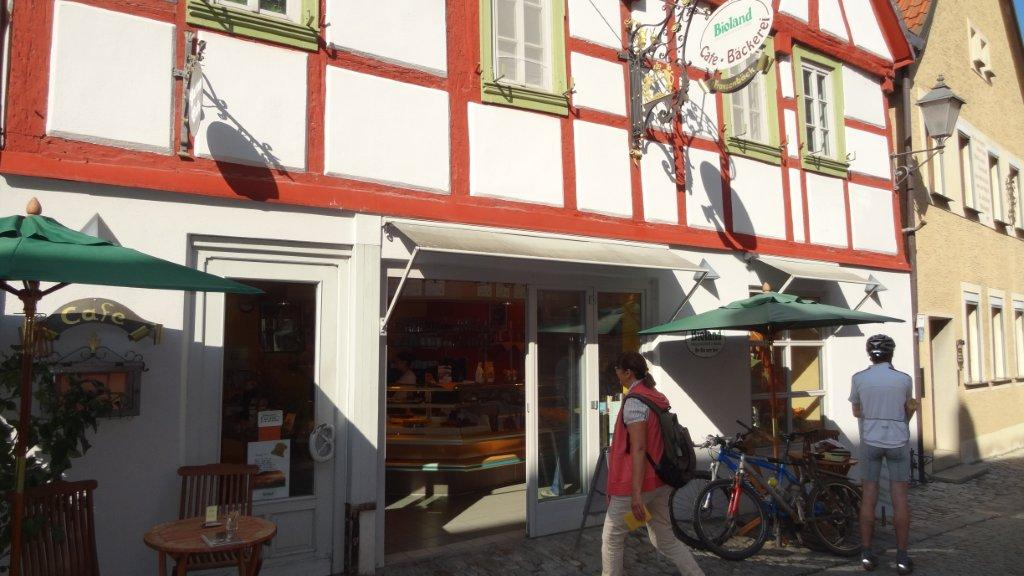 Iphofen in Lower Franconia: we can bring you there with our bike transport service, and then you can go on to explore the Lower Main valley from there.