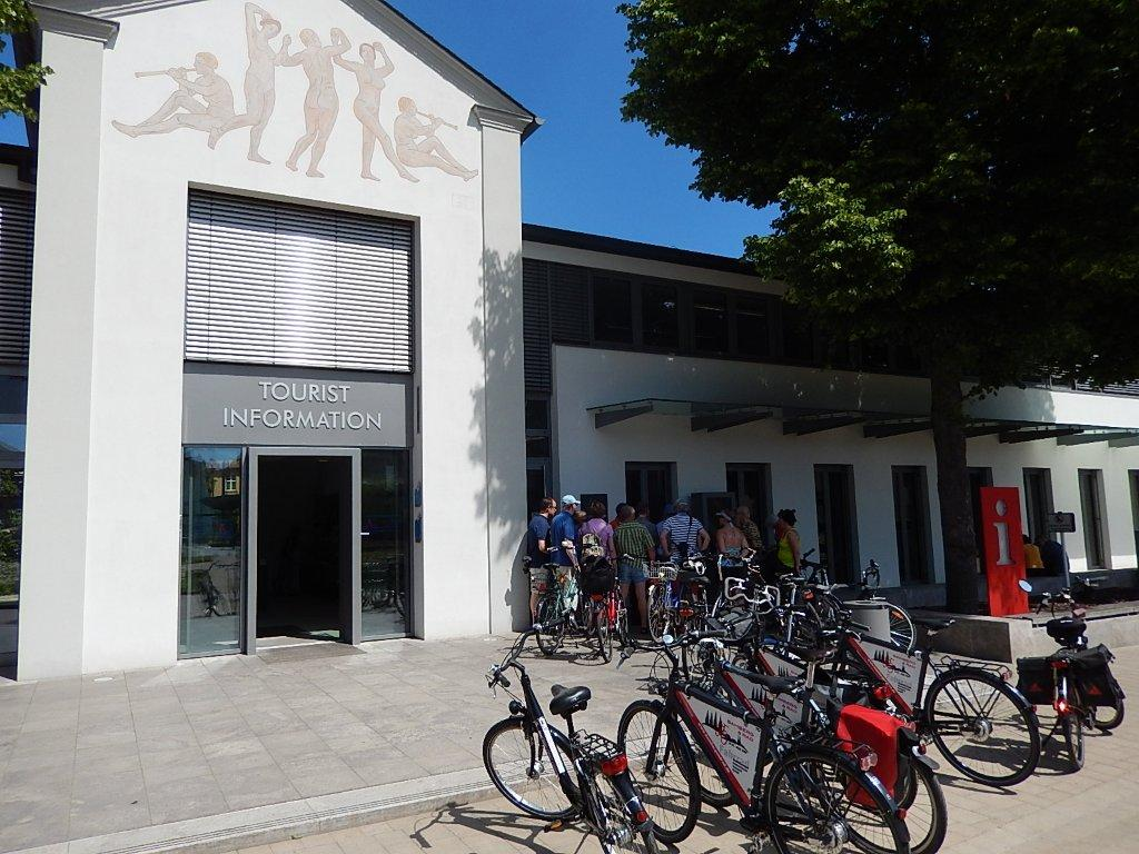 This unforgettably glorious city bike tour starts at Bamberg's Tourist Information office.